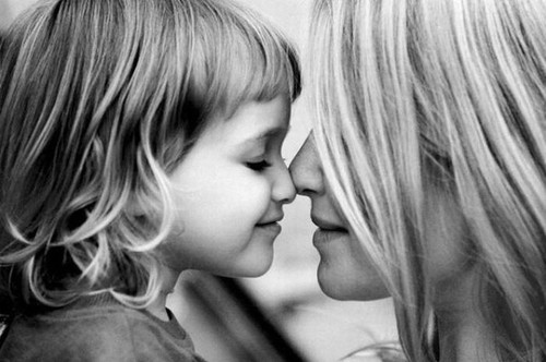 black-and-white-daughter-family-love-mother-Favim.com-110567